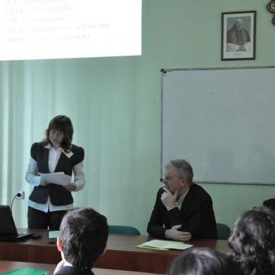 Zákon profesor datovania študent